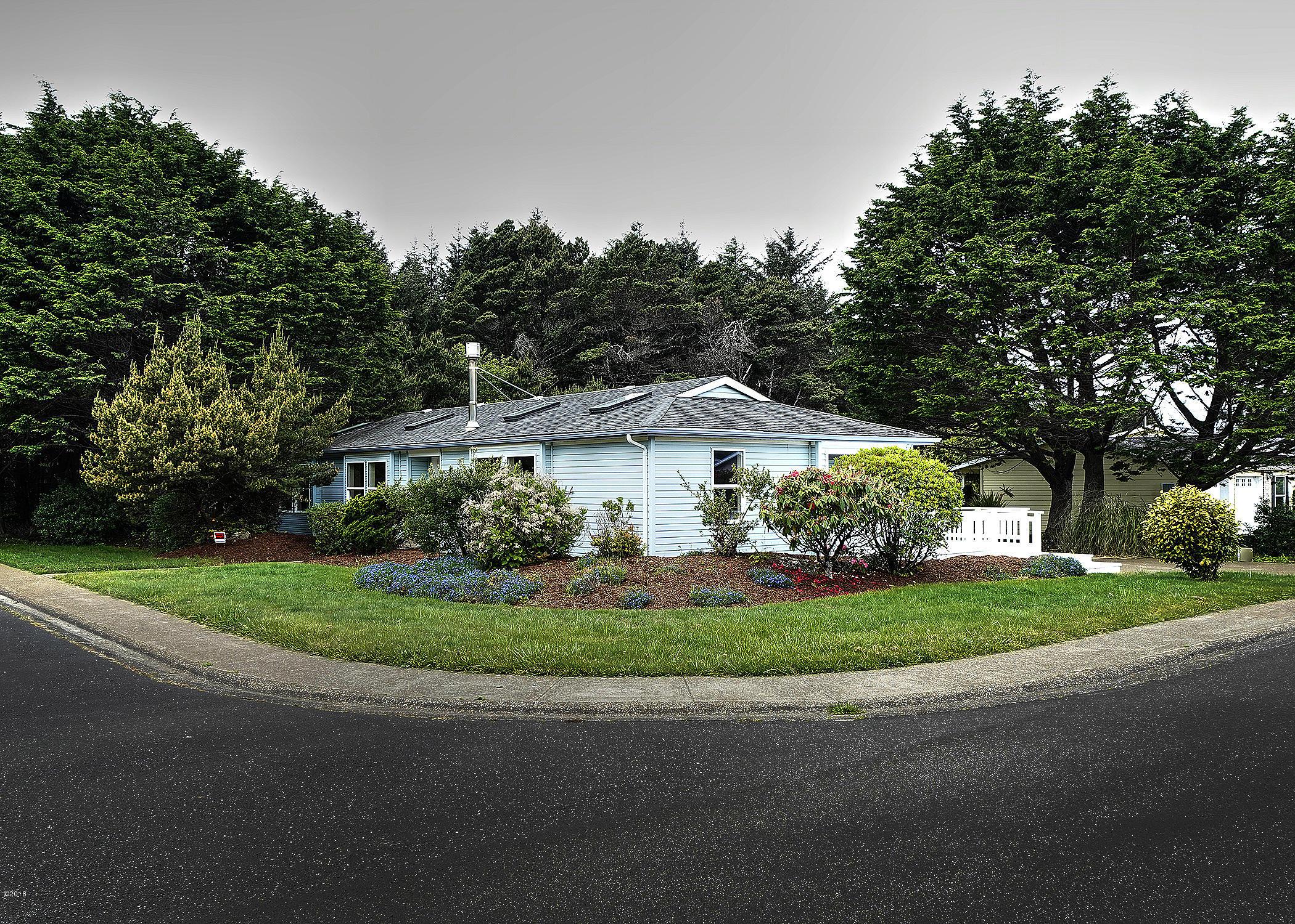 1135 SW Ocean Hills Dr, Waldport, OR 97394 - Large Corner Lot