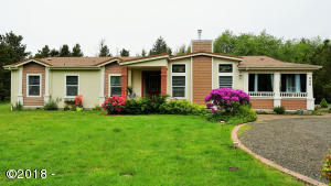 220 SW Newton Dr, Waldport, OR 97394
