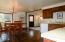 11710 NE Beverly Dr, Newport, OR 97365 - Kitchen