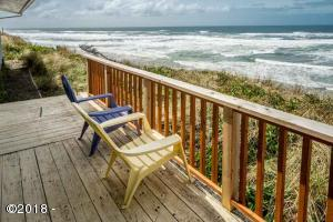 5705 NW Jetty Ave, Lincoln City, OR 97367