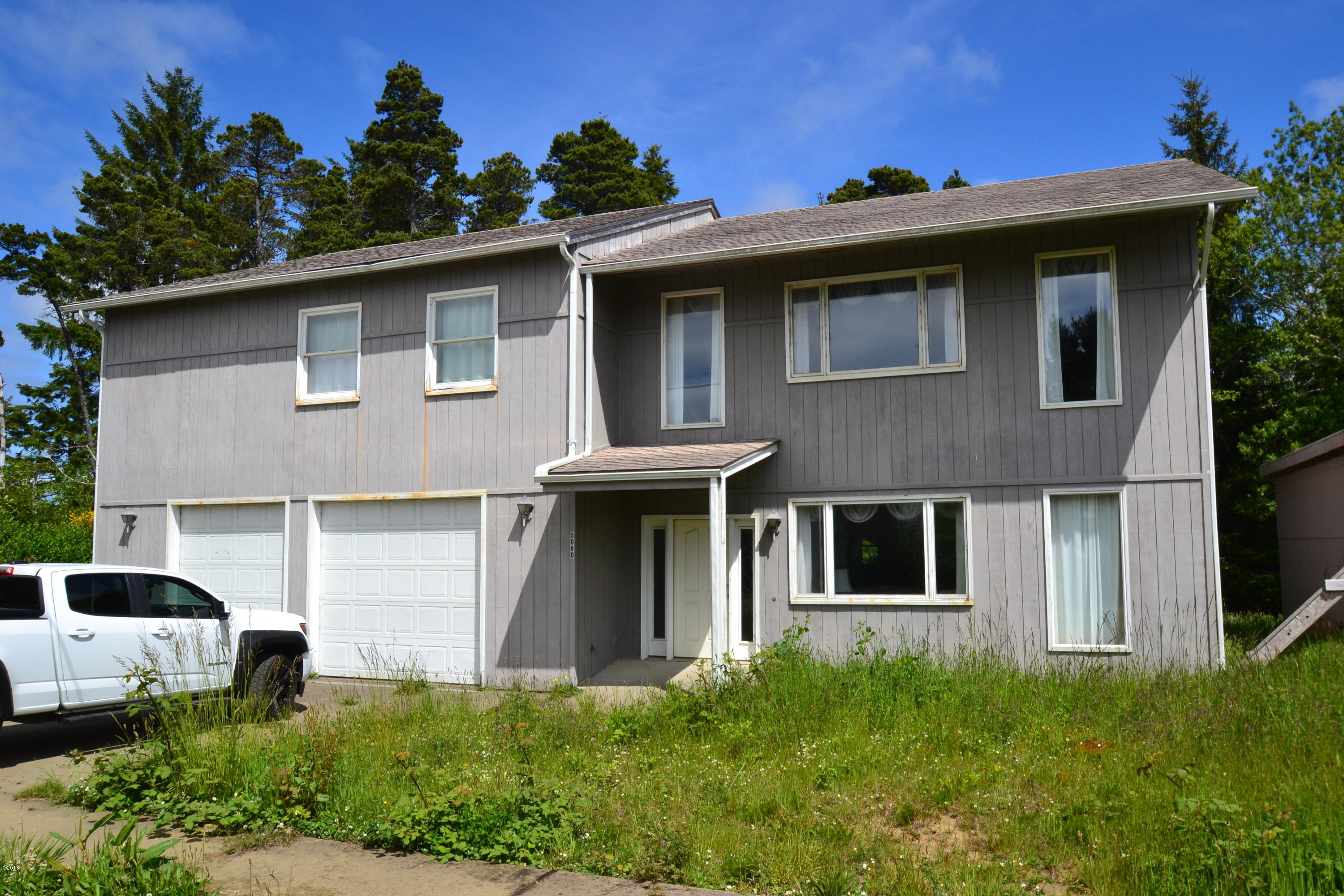 5090 NE Highland Ave, Yachats, OR 97498 - Front