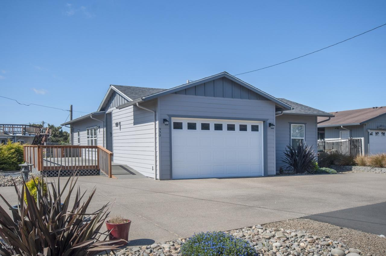 330 El Pino Ave, Lincoln City, OR 97367 - Lovely Newer Home w/Ramp Entry