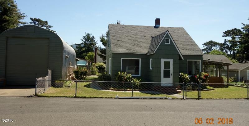 6436 SW Ebb Ave, Lincoln City, OR 97367 - DSC03287 (800x406)