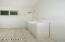 15 SE Ainslee Ave, Depoe Bay, OR 97341 - Bathroom