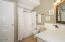 5640 Palisades Dr, Lincoln City, OR 97367 - Guest Bath