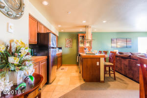 5201 SW Hwy 101, 101, Lincoln City, OR 97367 - Elegantly updated 2 bedroom condo