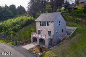 4600 NE Mulberry Loop, Lincoln City, OR 97367