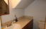 2714 NW Lee Ave, Lincoln City, OR 97367 - Full bath
