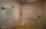 2714 NW Lee Ave, Lincoln City, OR 97367 - Shower