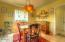 955 SW Mark St, Newport, OR 97365 - Dining 2