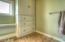 955 SW Mark St, Newport, OR 97365 - Bathroom 2b