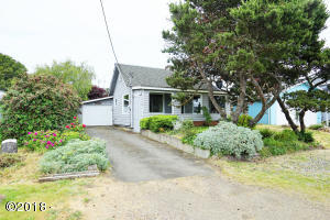 1185 NE Broadway St, Waldport, OR 97394 - Exterior