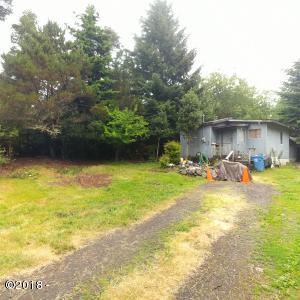 6106 NE Mason Ave, Yachats, OR 97496 - Front
