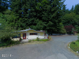 1127 NE Highway 20, Toledo, OR 97391 - 1127 NE Hwy 20