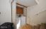 3125 NW Marine Ave, Lincoln City, OR 97367 - Laundry