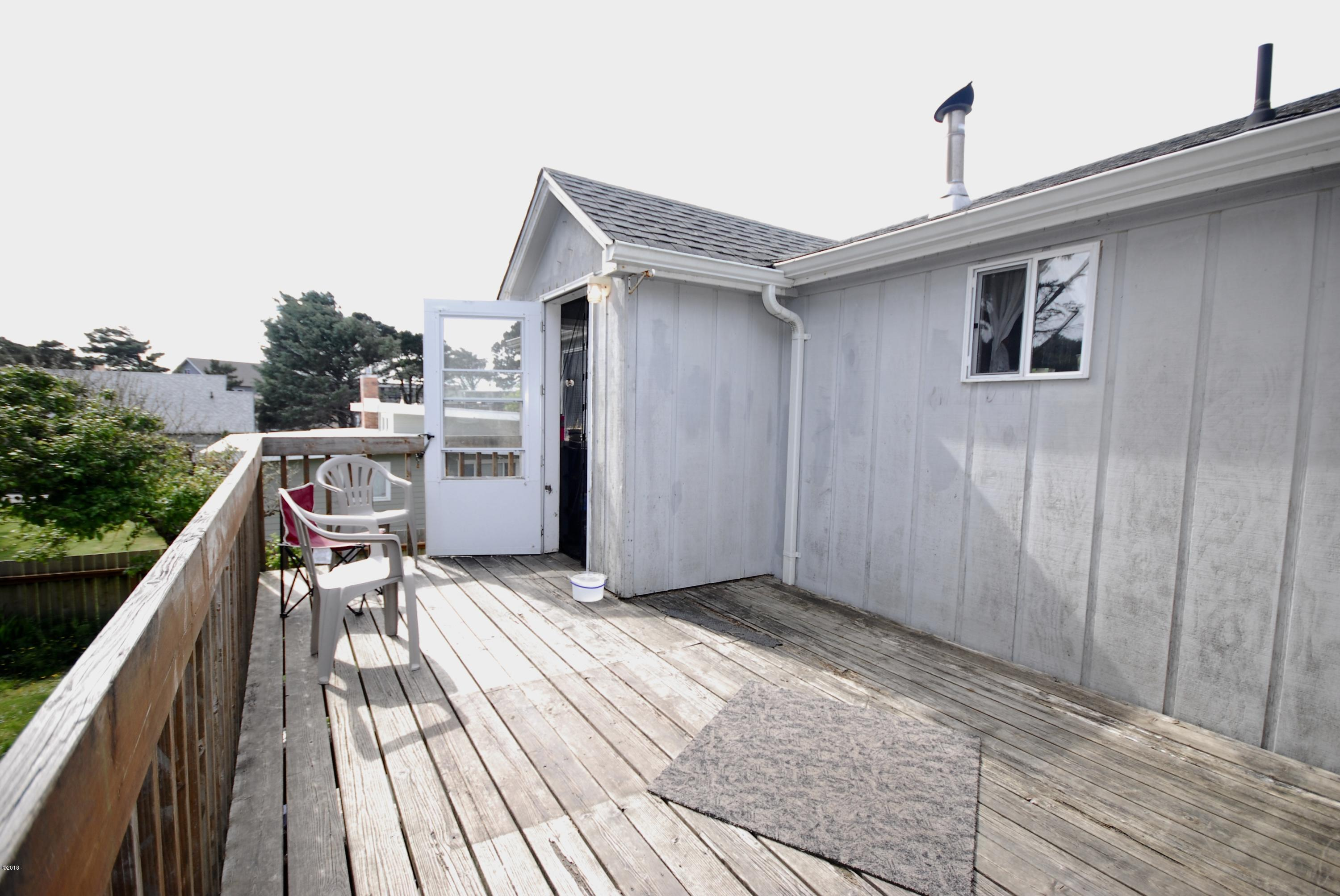 3125 NW Marine Ave, Lincoln City, OR 97367 - Upper Deck