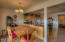 720 SW 6th St, J, Newport, OR 97365 - kitchen-dining