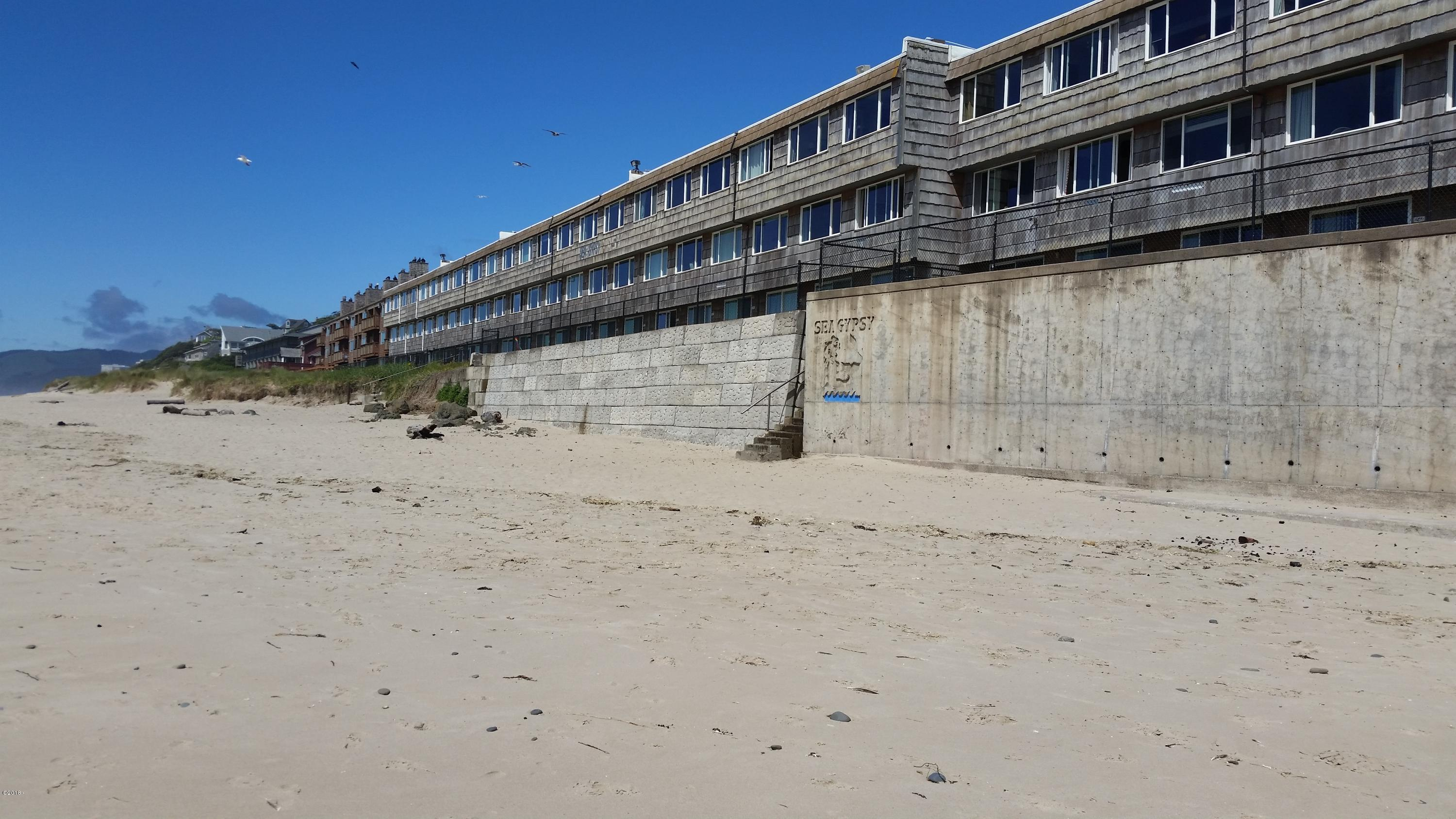 145 NW Inlet Ave, #115, Lincoln City, OR 97367 - Front