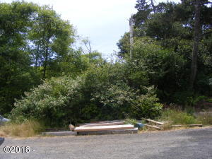 1500 SE 62nd St., South Beach, OR 97366 - South elevation