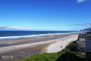 2555 NW Inlet Avenue, Lincoln City, OR 97367 - North View