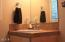 1130 Pine Ave, Depoe Bay, OR 97341 - jr suite bathroom