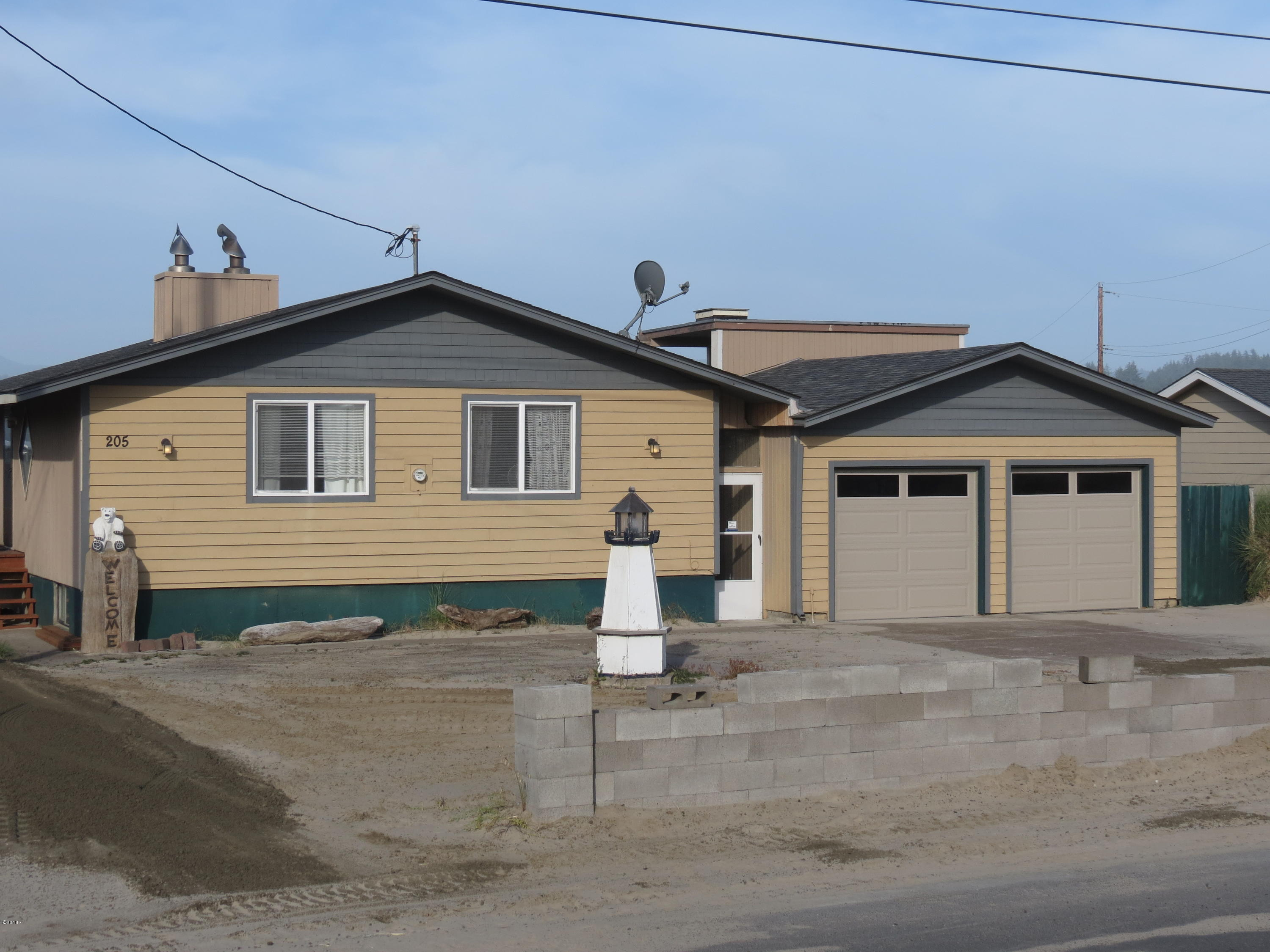 205 NW Oceania Dr, Waldport, OR 97394 - Front Exterior