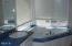 7515 Yaquina Bay Rd, Newport, OR 97365 - Master bath