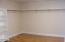 7515 Yaquina Bay Rd, Newport, OR 97365 - Mstr walkin closet