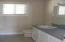 7515 Yaquina Bay Rd, Newport, OR 97365 - 3rd bath