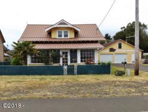 1040 NE Broadway St, Waldport, OR 97394 - Front of home