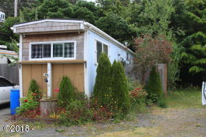 10 Breeze St, 3, Depoe Bay, OR 97341 - Front