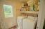 232 Bella Beach Dr, Depoe Bay, OR 97341 - Laundry/Mudroom