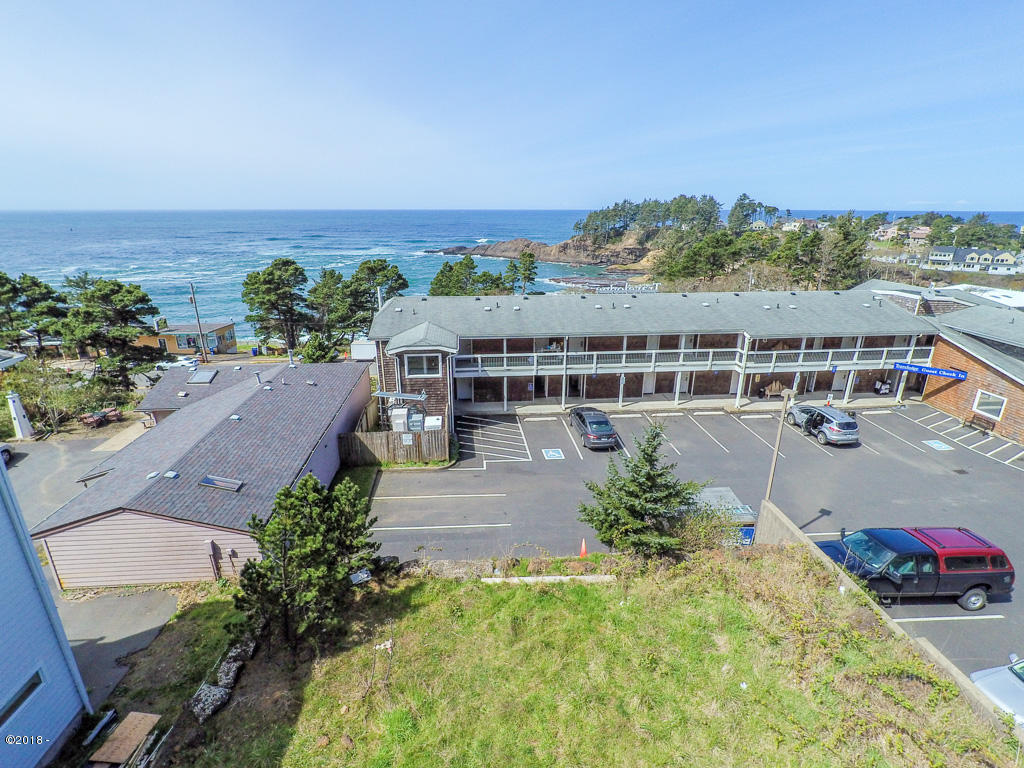 209 Williams Ave, Depoe Bay, OR 97341 - MAX_0055