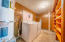535 NW Sunset Blvd, Toledo, OR 97391 - laundry room