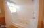 5970 Summerhouse Lane, Share F, Pacific City, OR 97135 - Bath