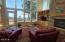 150 NE 56th St, Newport, OR 97365 - Living Room