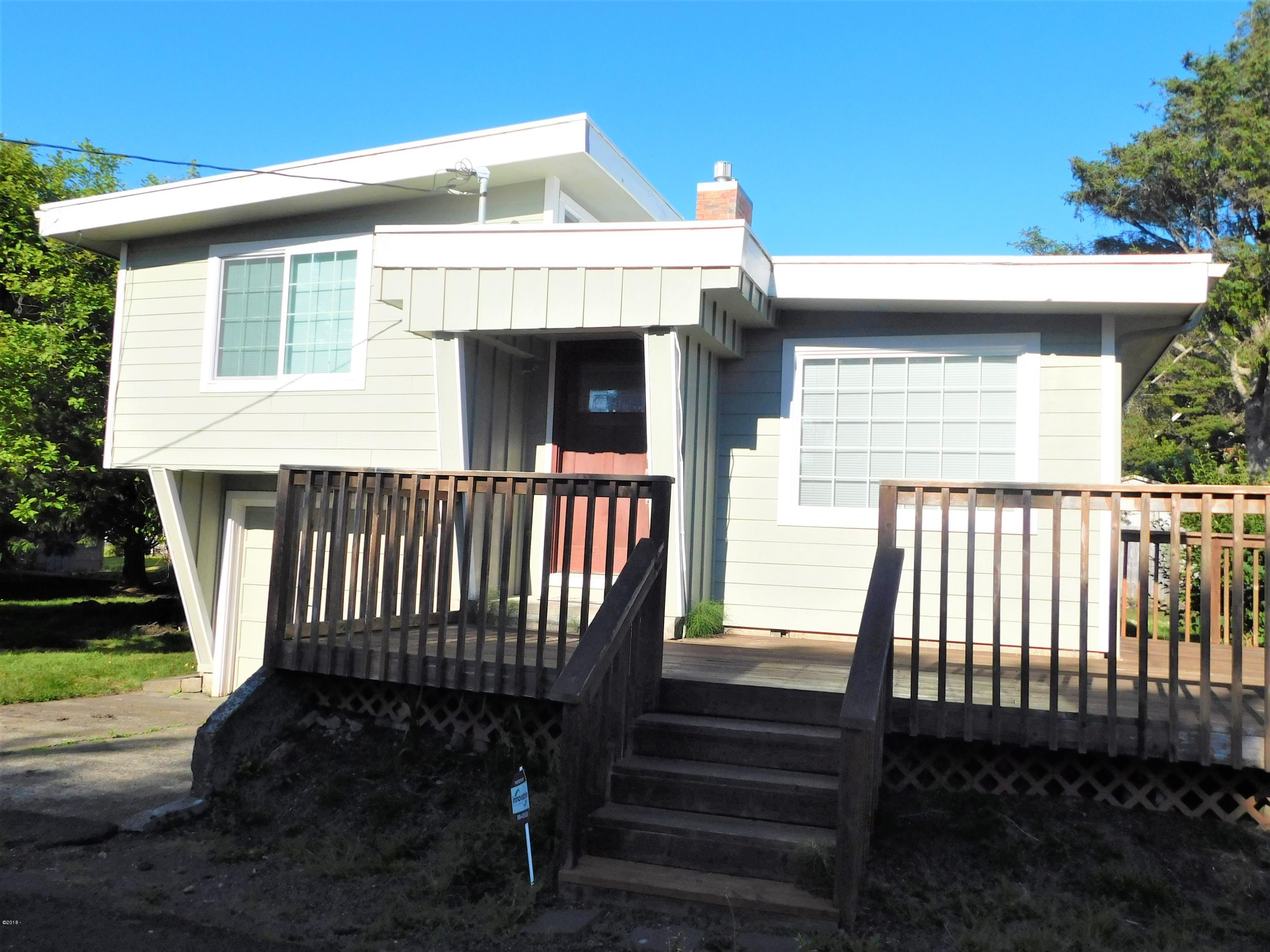 3116 NW Lee Ave, Lincoln City, OR 97367 - Front