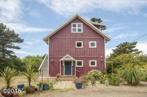 969 NW Park View St, Seal Rock, OR 97376