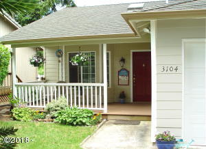 3104 NW Port Dr, Lincoln City, OR 97367 - Covered front porch