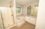 5520 NW Jetty, Lincoln City, OR 97367 - Master bath