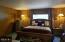 405 NE 32nd St, Newport, OR 97365 - Master Bedroom