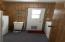 405 NE 32nd St, Newport, OR 97365 - Laundry Room