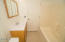 534 SE Inlet Ave, Lincoln City, OR 97367 - Bath