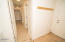 534 SE Inlet Ave, Lincoln City, OR 97367 - Hallway