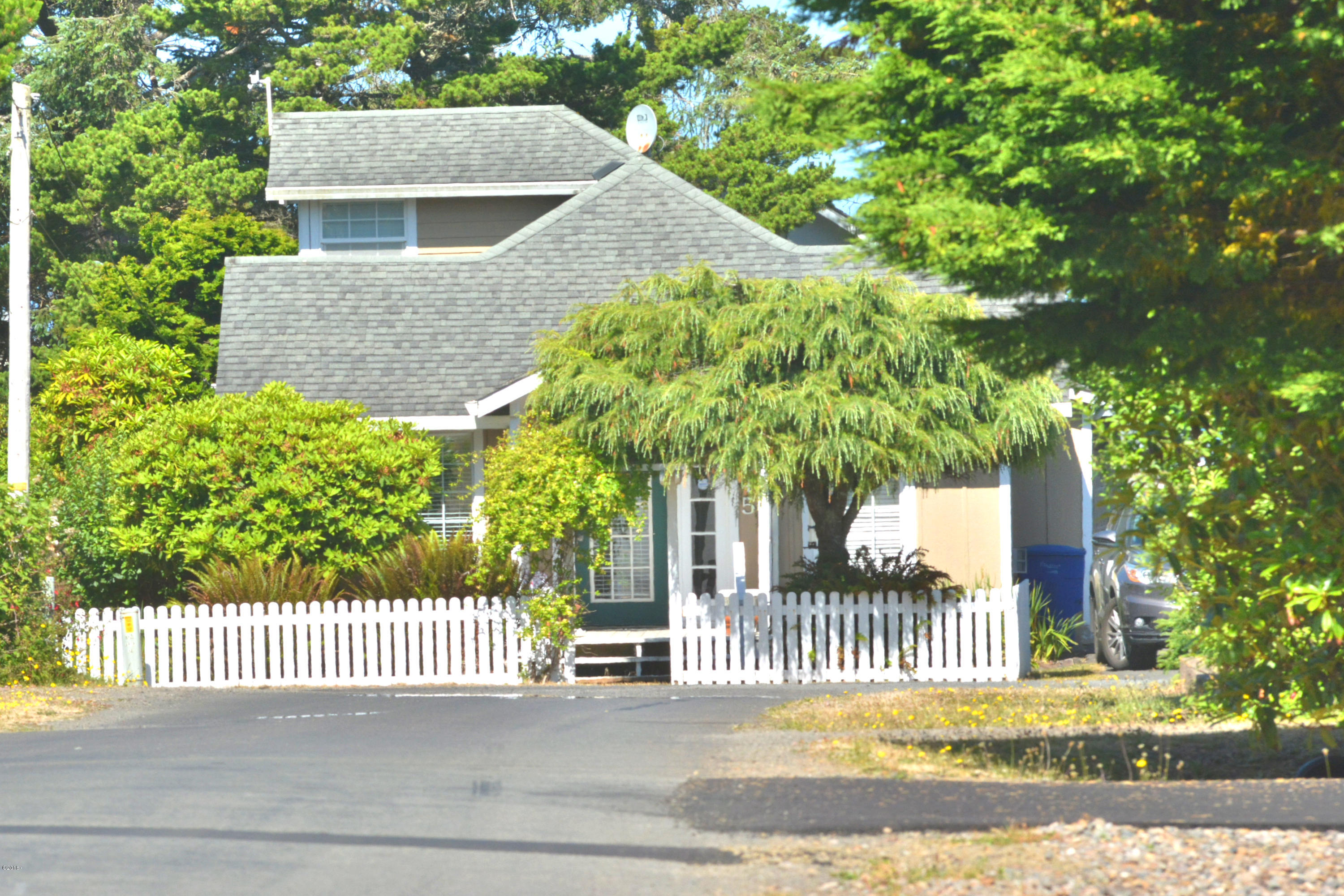 7045 Salal Ave, Gleneden Beach, OR 97388 - Right at the End of Salal
