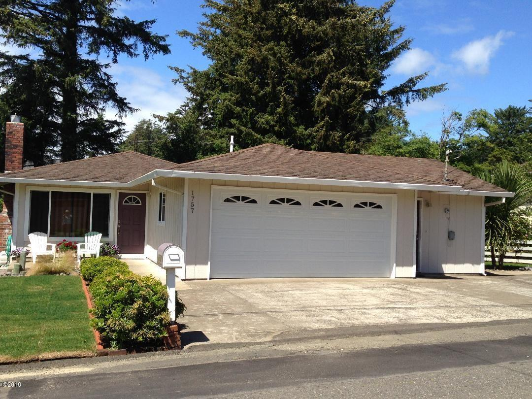 1757 NW 33rd St, Lincoln City, OR 97367 - Front View