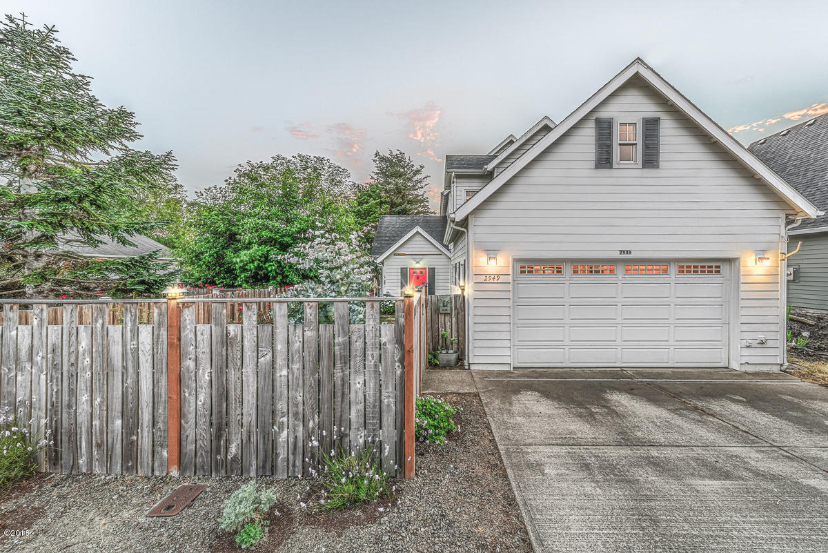 2949 NW Neptune Ave, Lincoln City, OR 97367 - Front of Home