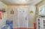 2949 NW Neptune Ave, Lincoln City, OR 97367 - Front Hall