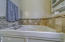 2949 NW Neptune Ave, Lincoln City, OR 97367 - Soaker Tub