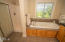 4600 SW Coast Ave, Lincoln City, OR 97367 - Jetted tub